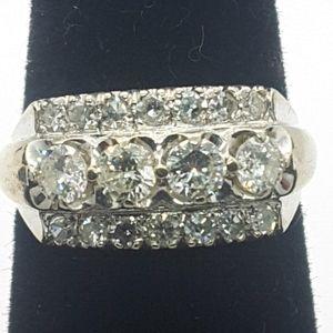 Beautiful vintage 14k white gold diamond ring.